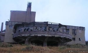 post-apocalyptic-building2